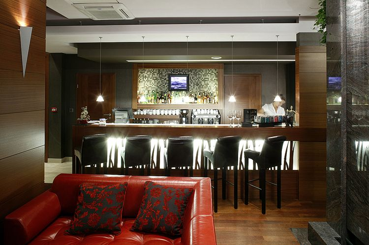 projekt wnętrza baru hotelowego