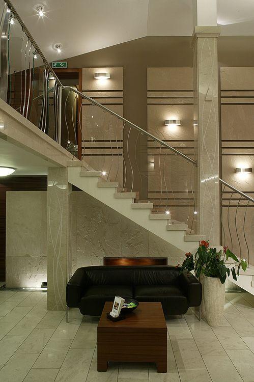 schody w luksusowym hotelu - architektura