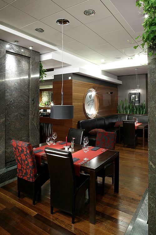 wnętrze restauracji hotelowej